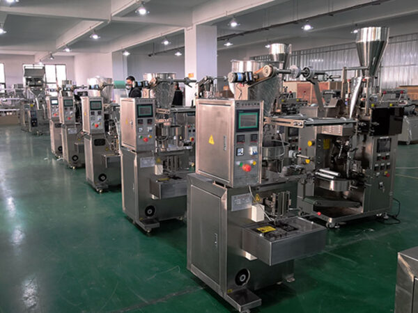 automatic sauch pouch packing machine