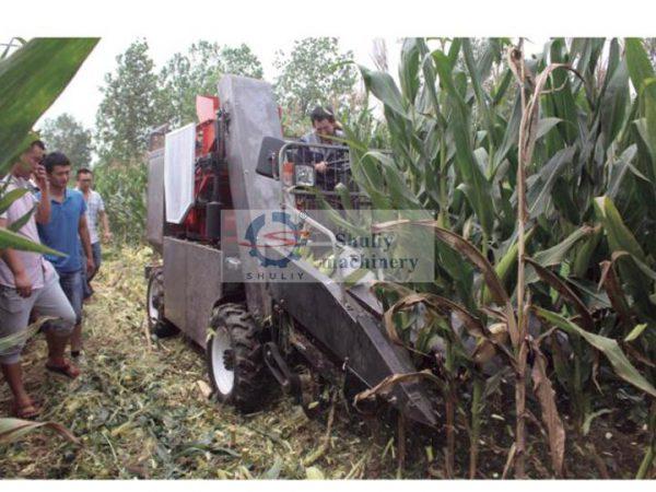 corn harvester machine