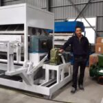 customer visiting for apple tray machine