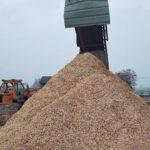 large wood crushing plant